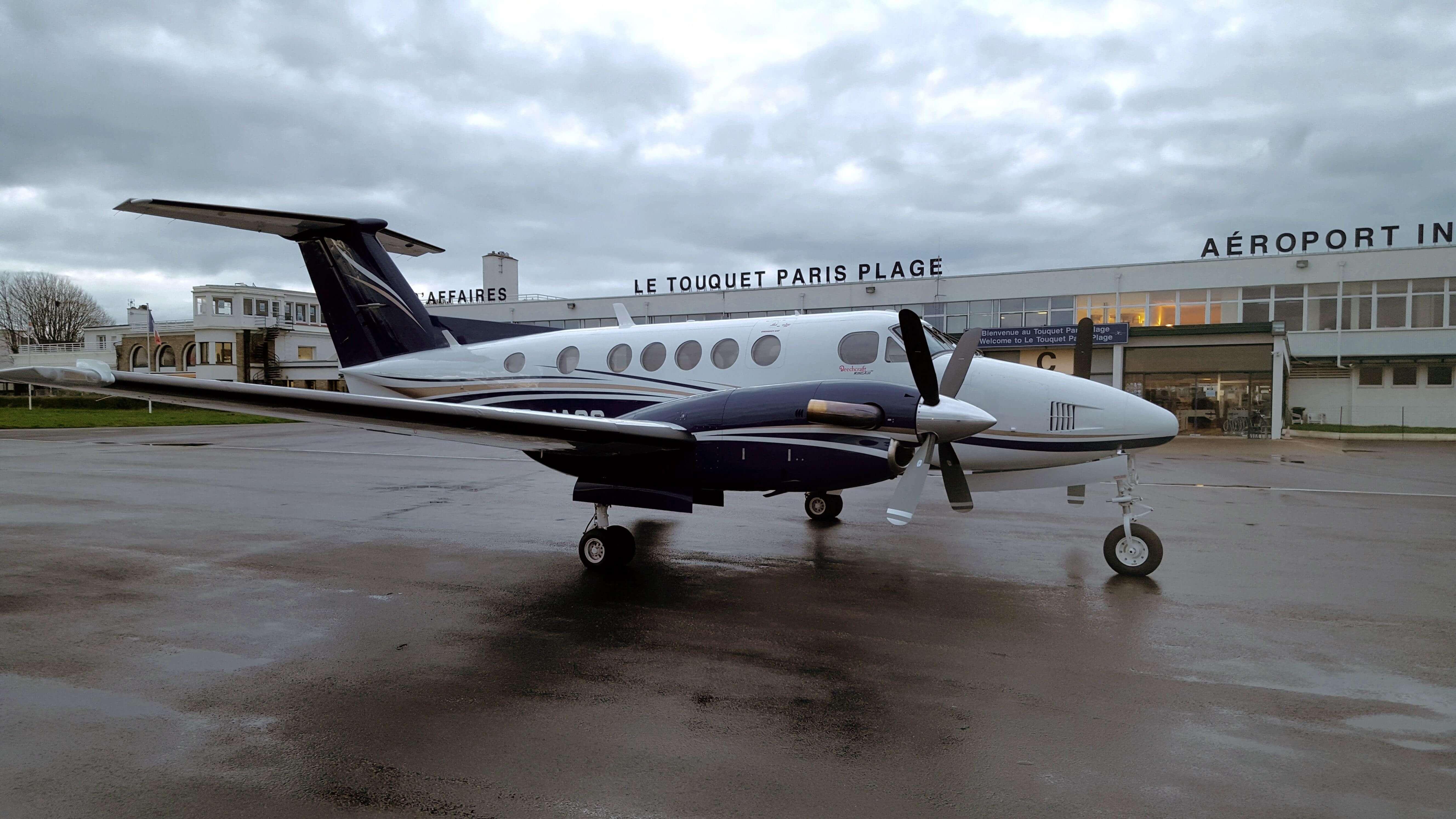 Elicottero 350 : Volo tempo bristol a glasgow in aereo privato king air 350