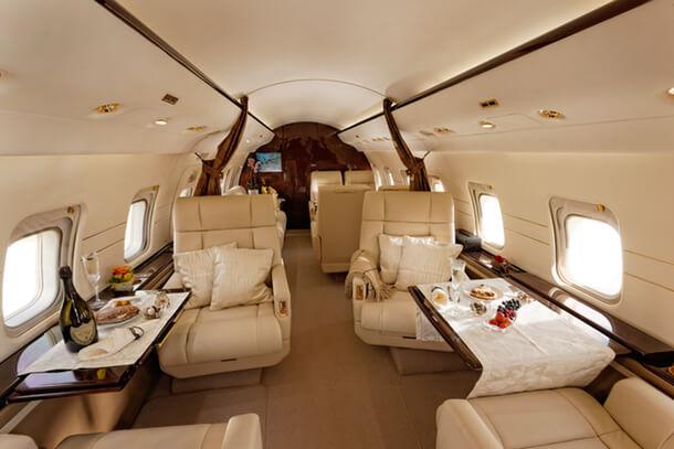 Challenger 604 cabin