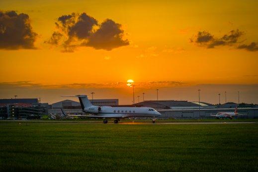 Private jet arrives